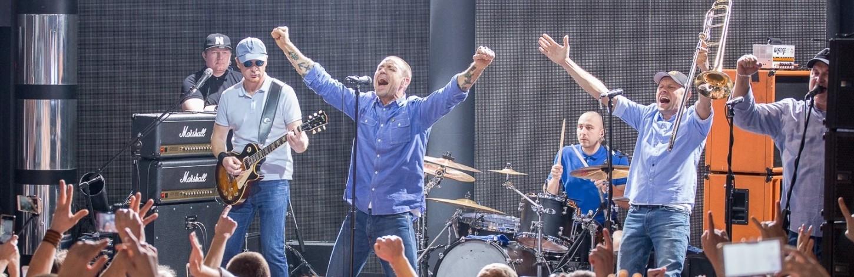 Jau šo piektdien Rīgā uzstāsies rokgrupa 'Lyapis-98'